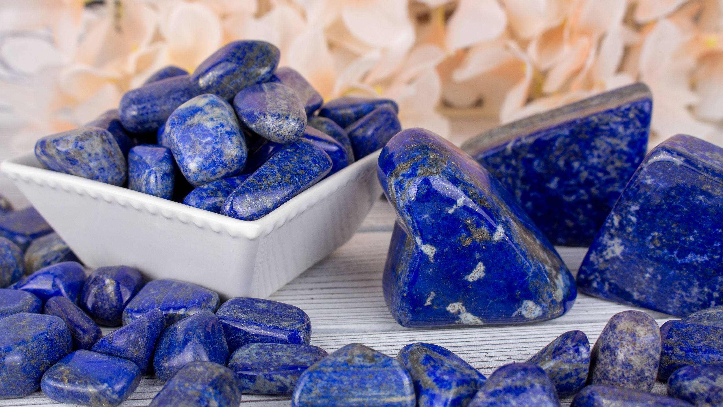 Platinum Metaphysical Properties and Meanings - The Crystal