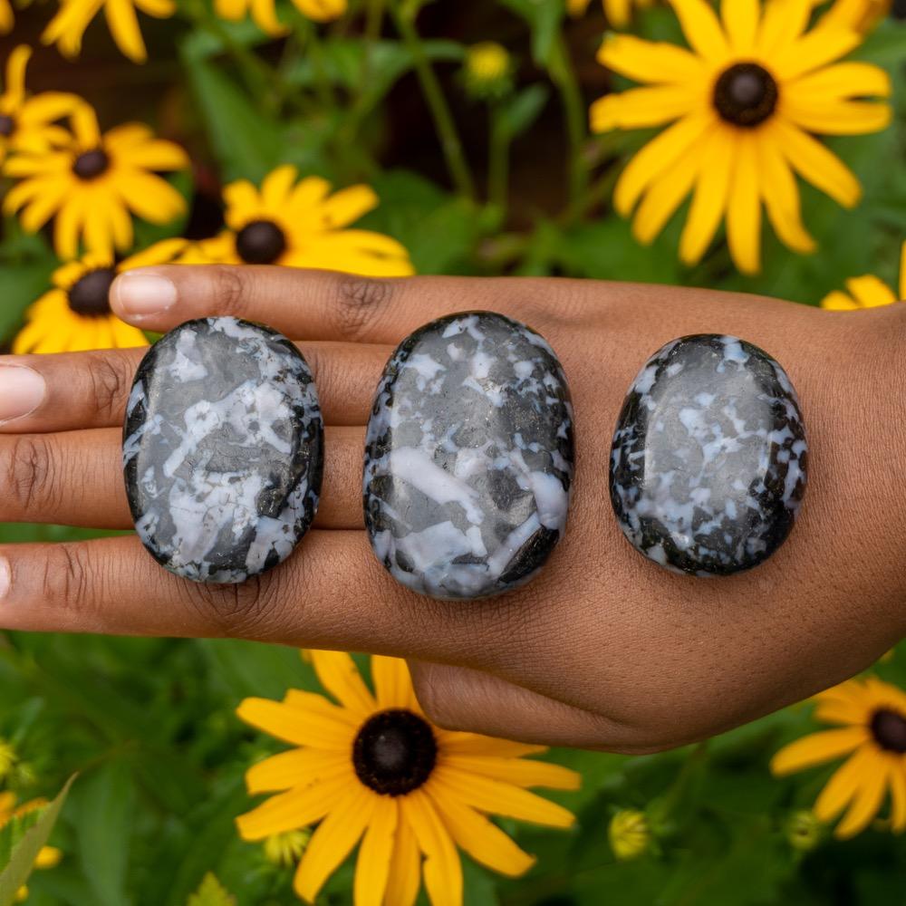 Medium Mystic Merlinite Palmstone