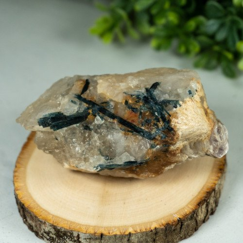 Indicolite on Quartz with Barite