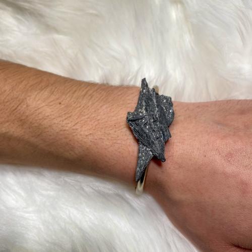 Black Kyanite Bracelet (Silver)