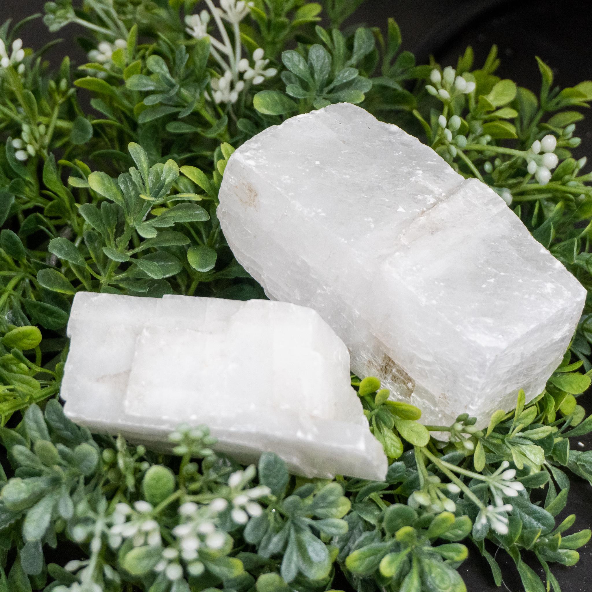 Medium White Calcite