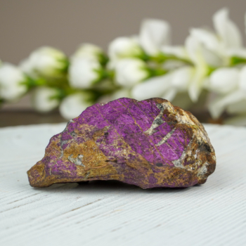 Purpurite on Triphylite #2
